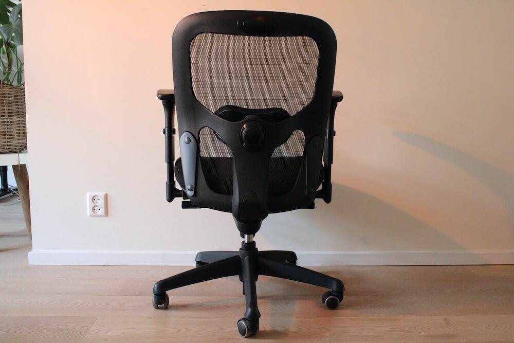 BenS 803-Bsc-3 ergonomische bureaustoel, van achteren.