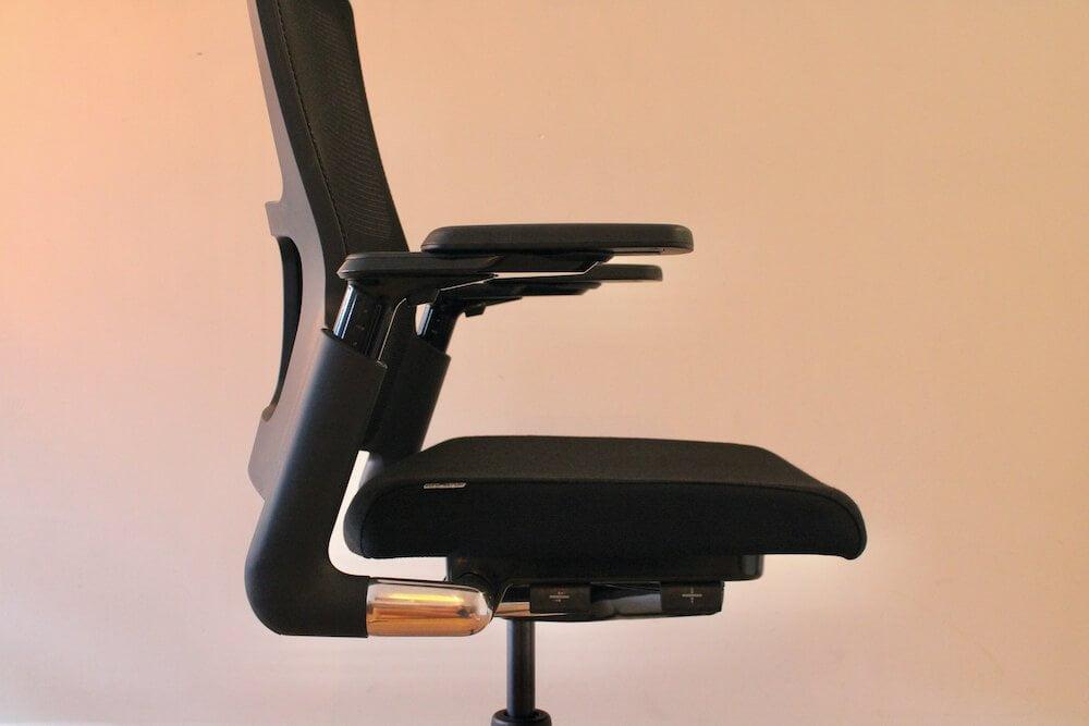 Ahrend 2020 zijkant: beste bureaustoel